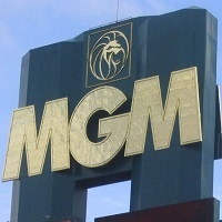 CEO of MGM: Online Gambling Necessary